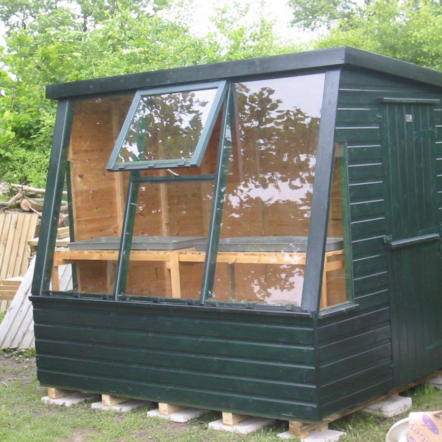Poultons Dorset-Solar Potting Sheds 4