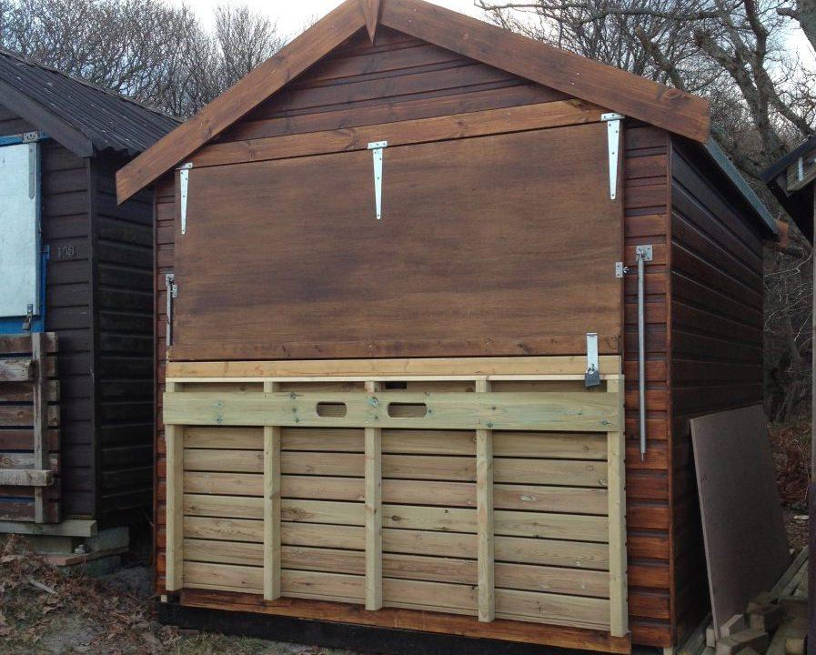 Poultons Dorset-Beach Huts 2